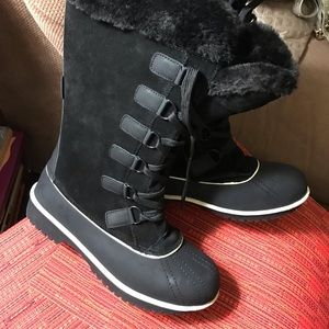 New Winter boots Size 10 Real suede